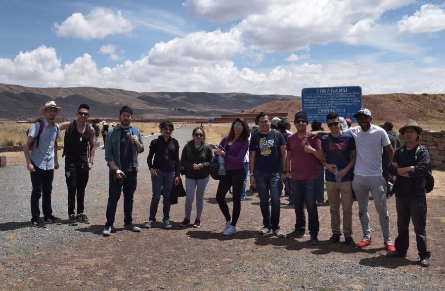 Estudiantes de Publicidad y Marketing realizaron Viaje a Tiwanaku