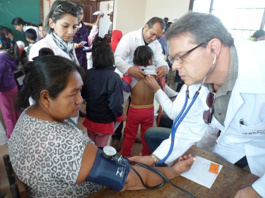 Carrera de Medicina realizó Brigadas Medicas en la comunidad de USURI