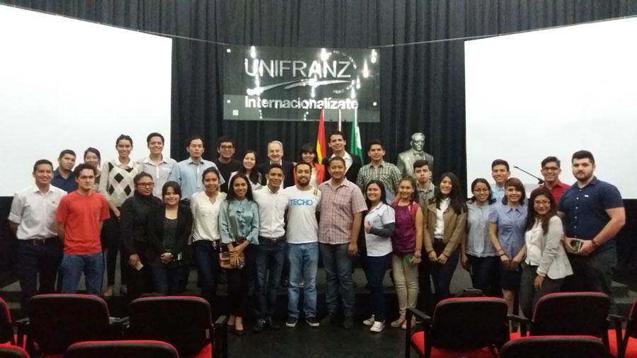 Siembra Juventud celebra Día Internacional de la Juventud en UNIFRANZ
